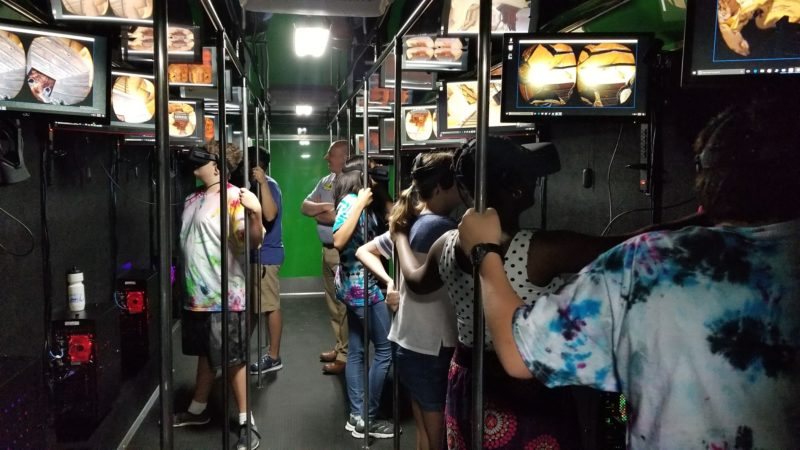 students in mobile virtual reality lab learning VR 3D